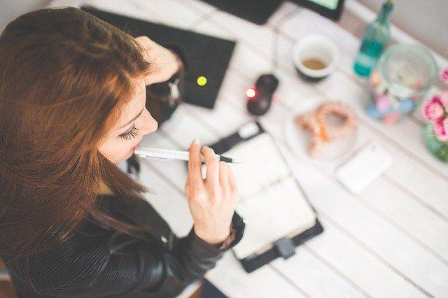 Pozytywy zatrudniania dojrzałych kobiet
