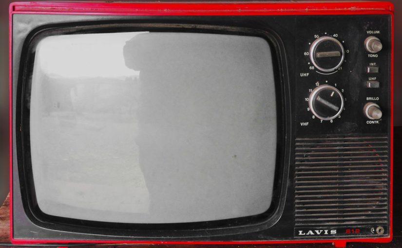 Samotny spokój przed tv, czy też niedzielne serialowe popołudnie, umila nam czas wolny ,a także pozwala się zrelaksować.